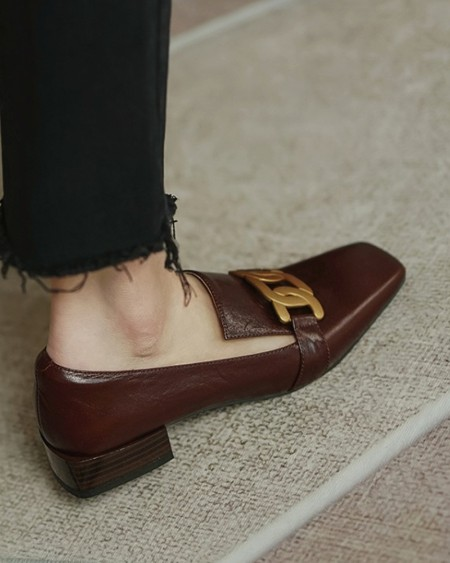 Square-toe Solid Color Splicing Chain PU Leather Loafers