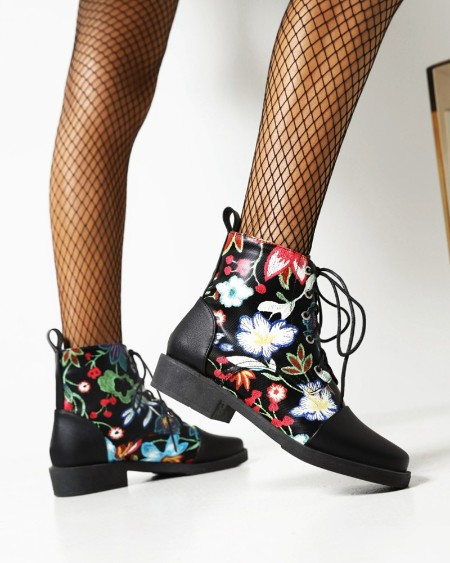 Womens Vintage Round Toe Patchwork Embroidery Lace-up Booties