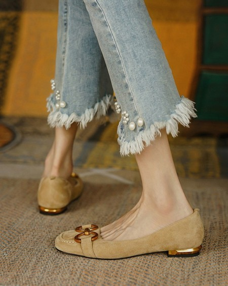 Square-toe Solid Color Splicing Chain Suede Flat Shoes