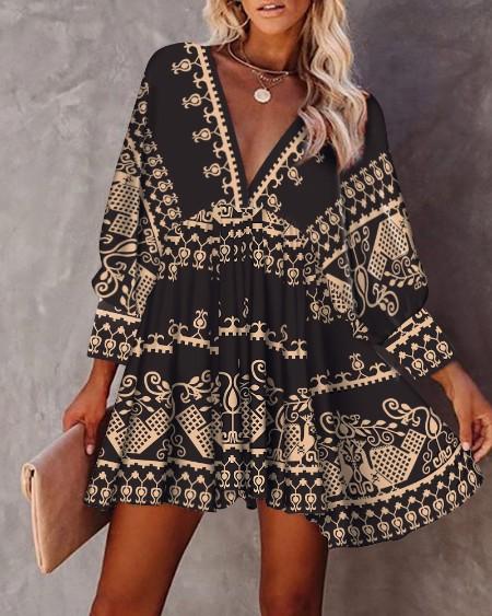 All Over Print V-Neck Fold Pleated Dress