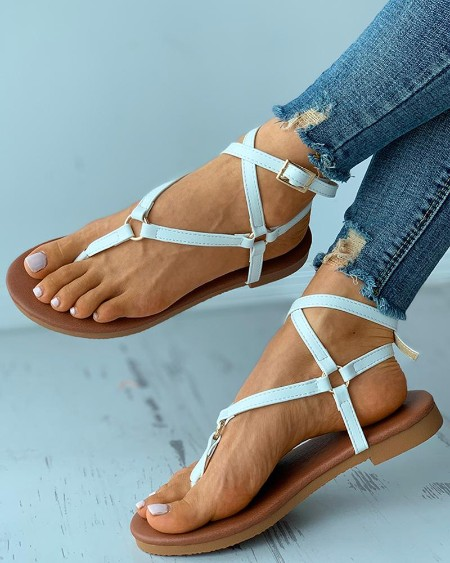 Toe Post O-Ring Buckled Flat Sandals