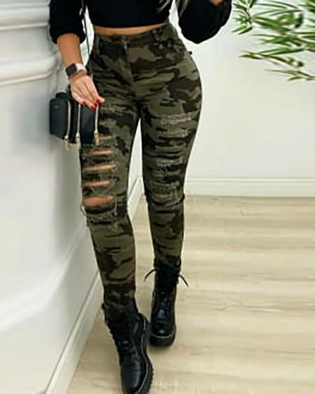 Jeans com franja estampada camuflagem