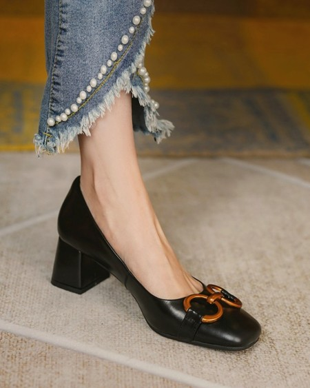 Square-toe Solid Color Splicing Chain Buckle High Heels