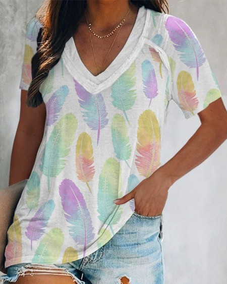 Multicolor Feather Print Short Sleeve T-shirt