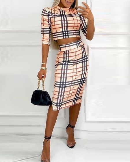 Plaid Print Half Sleeve Crop Top & Split Hem Skirt Set
