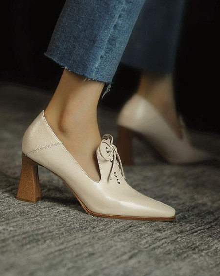 Brief Lace-up Pointed Heeled Pumps