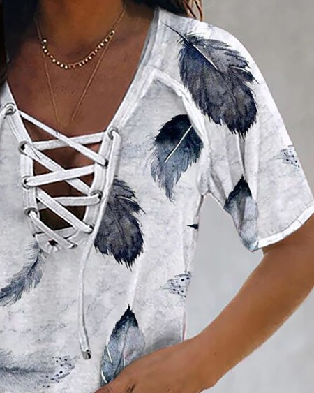 Feather Print Eyelet Lace-up T-shirt