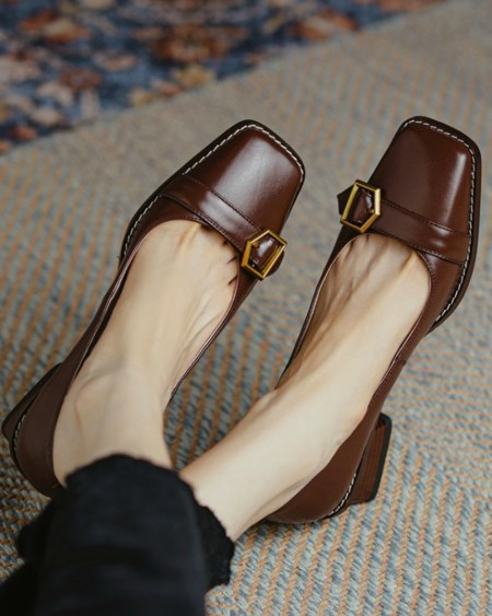 Square-toe Solid Splicing Buckle Heel Shoes
