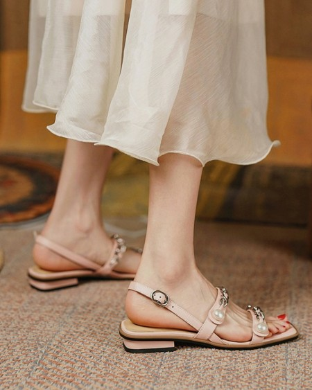 Solid Open-toe Flat Strappy Cut-out Sandals