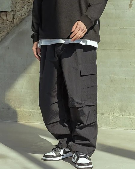 Solid Pockets Patch Loose Cargo Pants