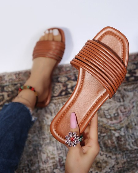 Square-toe Solid Color PU Leather Flat Slippers