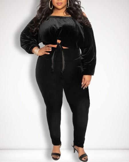 Plus Size Velvet Off Shoulder Knot Hem Crop Top & Pants Set