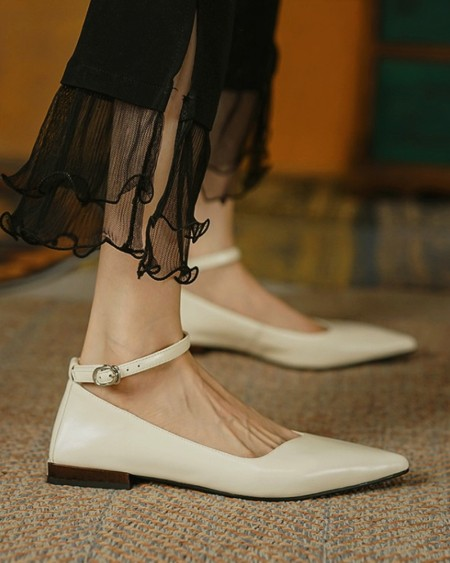 Pointed-toe Solid Color Splicing Buckle Flat Shoes