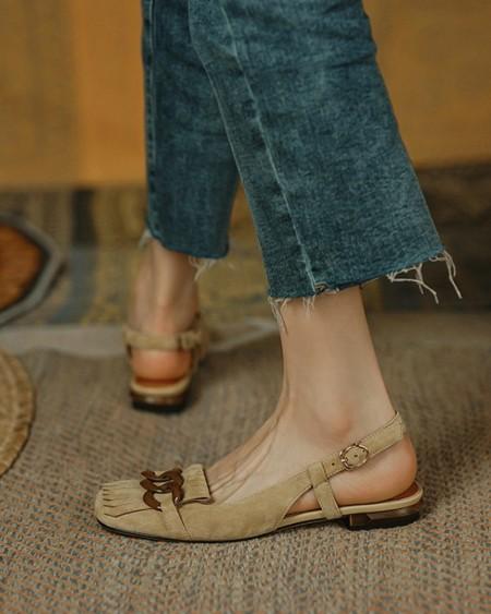 Buckle & Tassel Upper Sqaure-toe Flat Slip-on