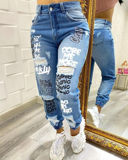 Plus Size Letter Print Zipper Fly Ripped Skinny Jeans