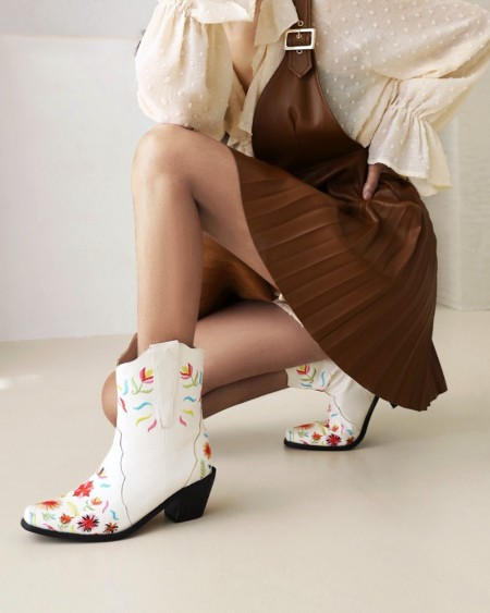 Womens Vintage Embroidery Round Toe Wax Finish Western Booties