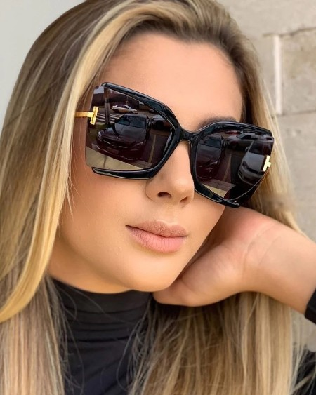 1Pair Oversized Frame Square T Sunglasses