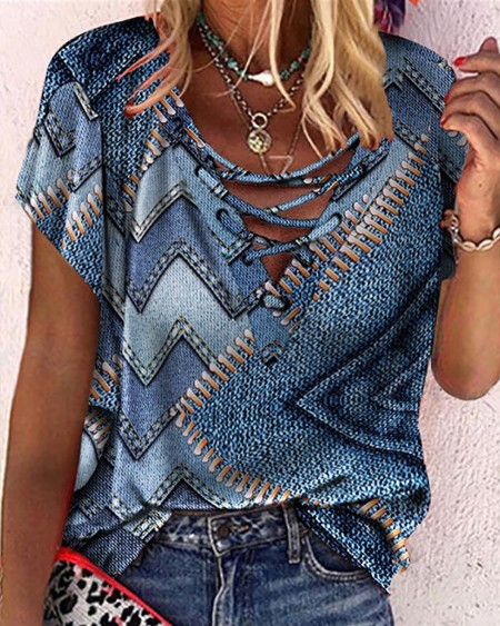 Graphic Print Eyelet Lace-up Short Sleeve Top