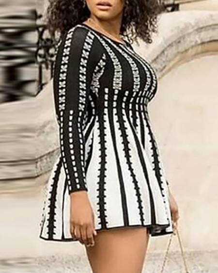 Plus Size Striped Print Round Neck Long Sleeve Dress