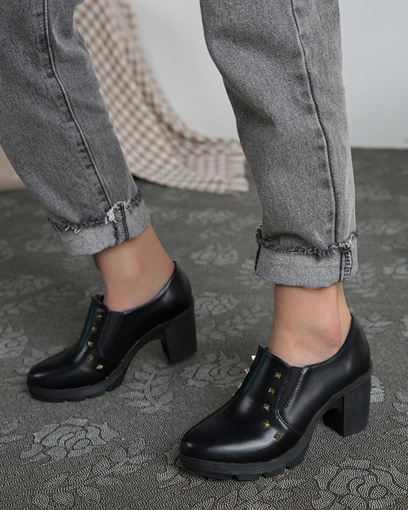 Round-toe Solid Color Splicing Studded Heel Loafers