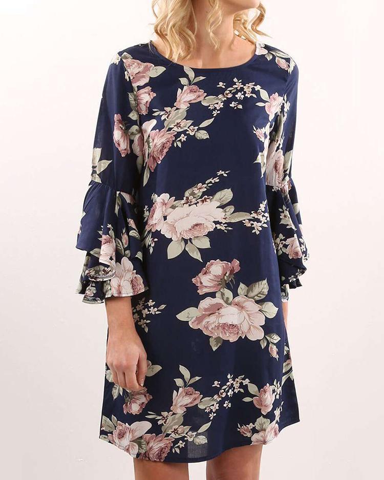 Joyshoetique coupon: Trendy Floral Flared Sleeve Tunic Dress
