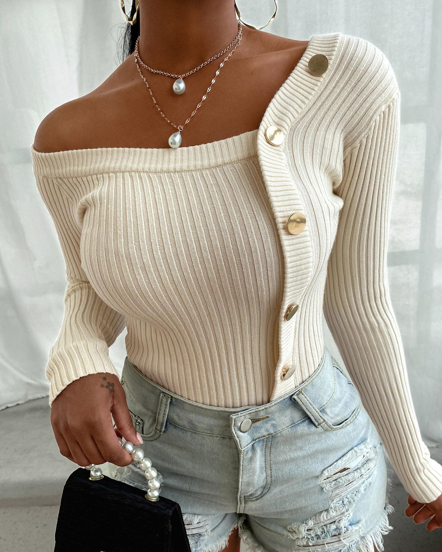 Chandail en tricot à manches longues et à boutons