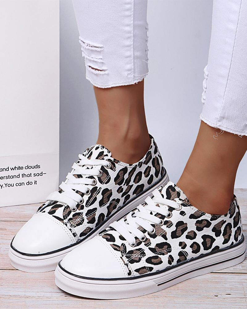 Round-toe Leopard Print Lace-up Slip-on