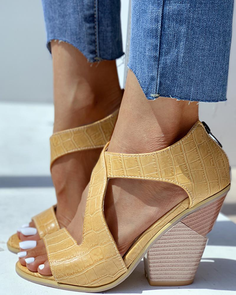 ChicMe coupon: Solid Cut Out Chunky Heeled Sandals
