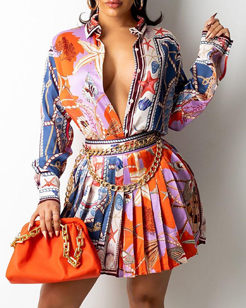 Conjunto de camisa y falda plisada con diseño de botones con estampado de bufanda