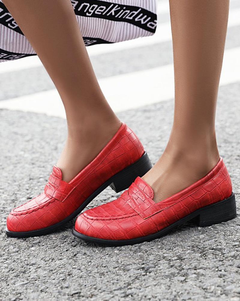 Ladies Vintage Crocodile Print Round Toe Loafers, Red