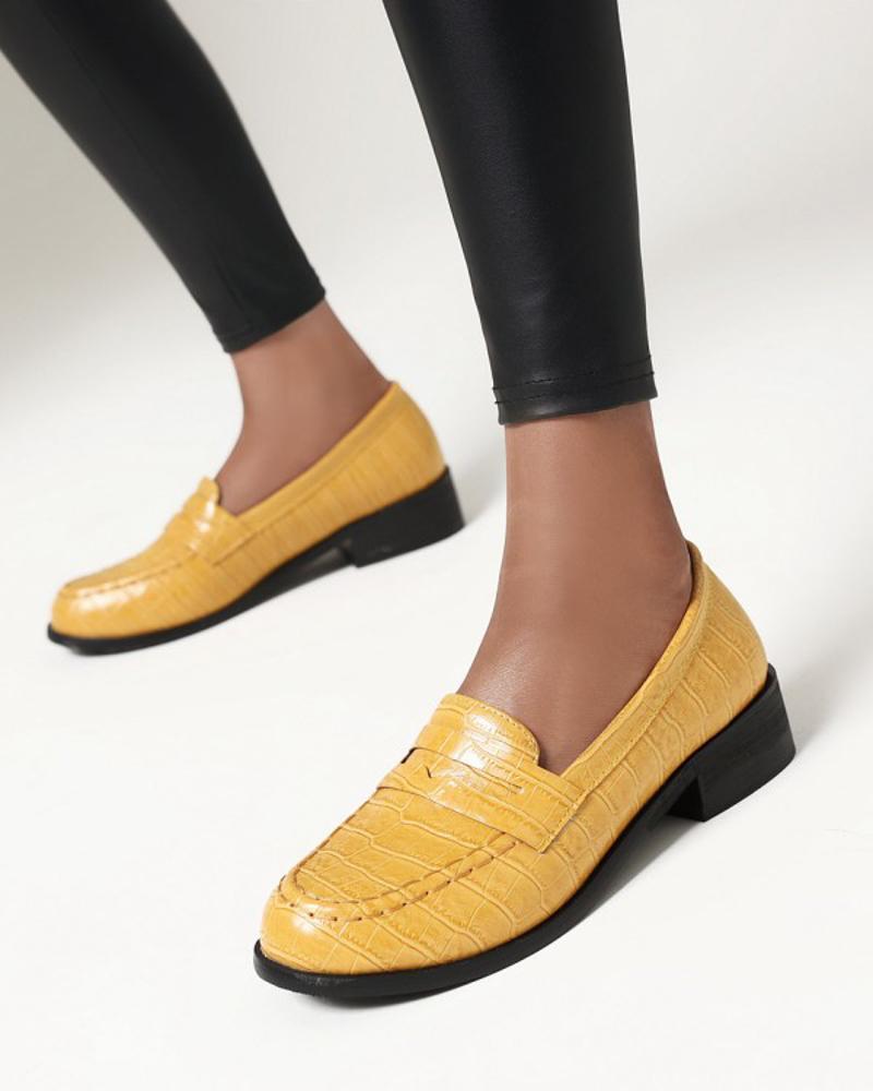 Ladies Vintage Crocodile Print Round Toe Loafers, Yellow