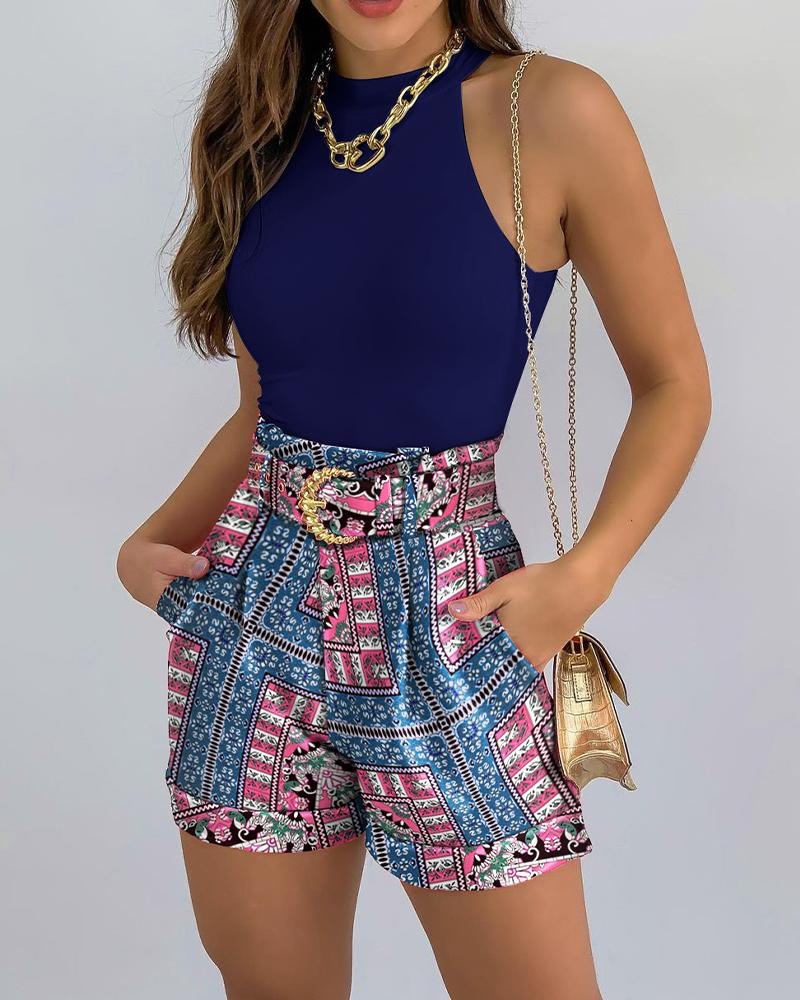 Solid Sleeveless Top & Colorblock Print Shorts Set With Belt thumbnail