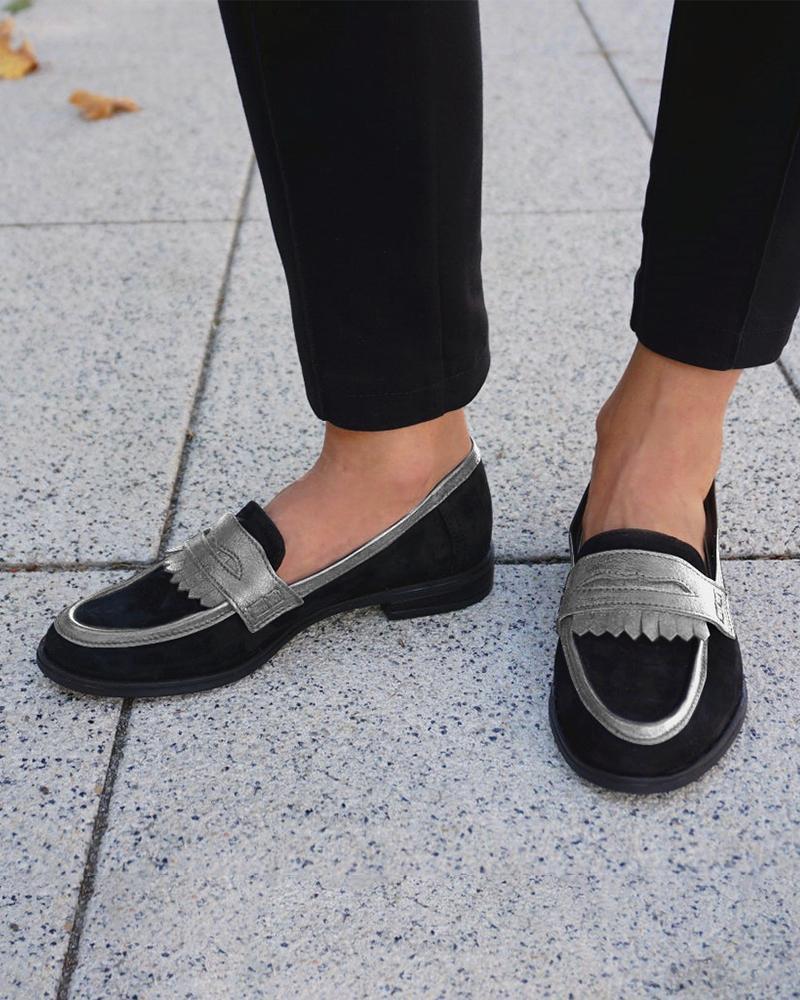Suede PU Patch Tassel Design Loafers