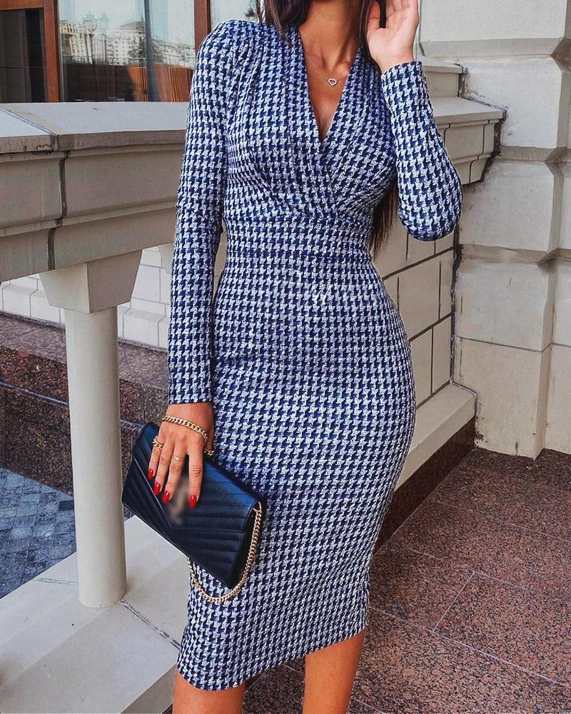 Houndstooth Print Long Sleeve Ruched Dress